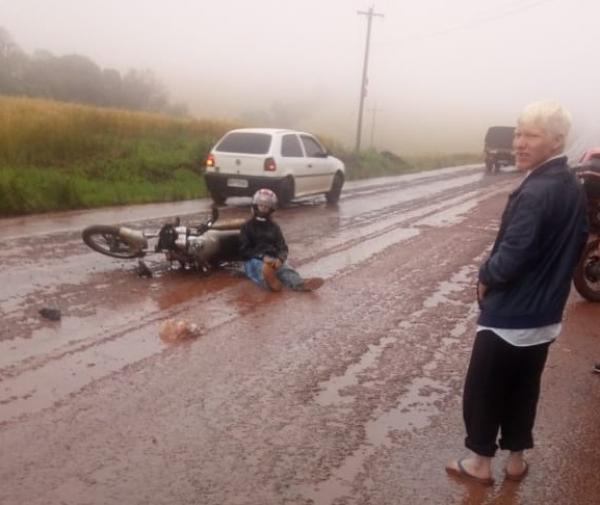 Barro sobre o asfalto provoca acidente em Tenente Portela