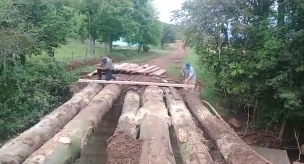 Enxurradas destroem pontes e bueiros no interior de Tenente Portela