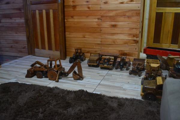 Márcio Pressi: O homem que através do dom transforma madeira em sonhos
