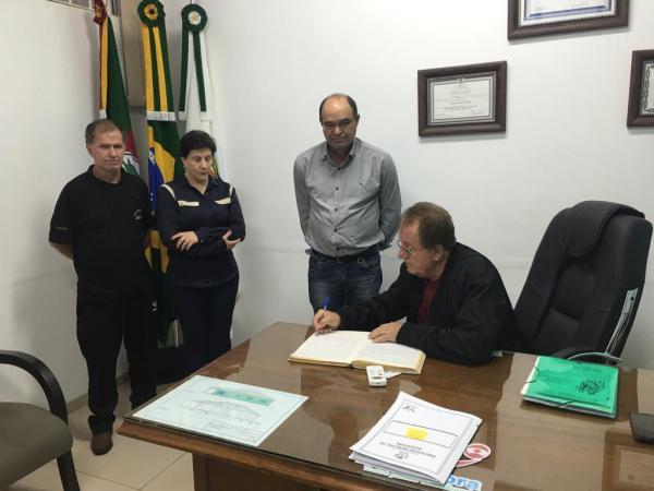 Prefeito de Redentora buscará a liberação de recursos em Brasília