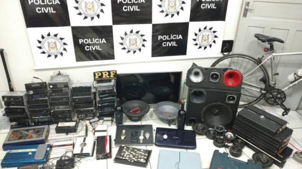 Três Passos: Recuperados objetos furtados de agente da PRF