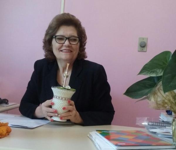 Titular da 21ª CRE repassa informações sobre curso de magistério em Tenente Portela
