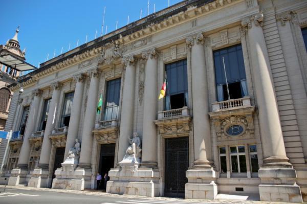 Debate reunirá pré-candidatos ao Palácio Piratini