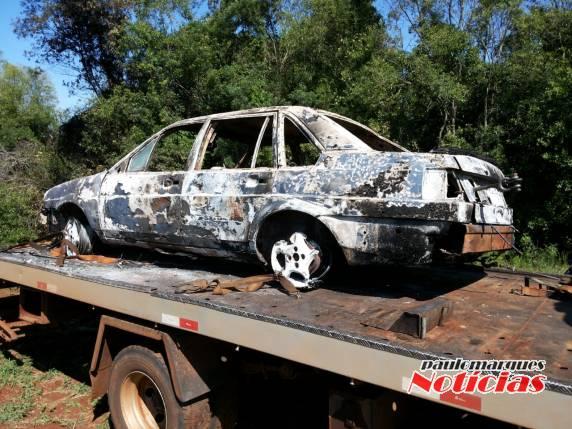 Independência: Veículo furtado é localizado incendiado