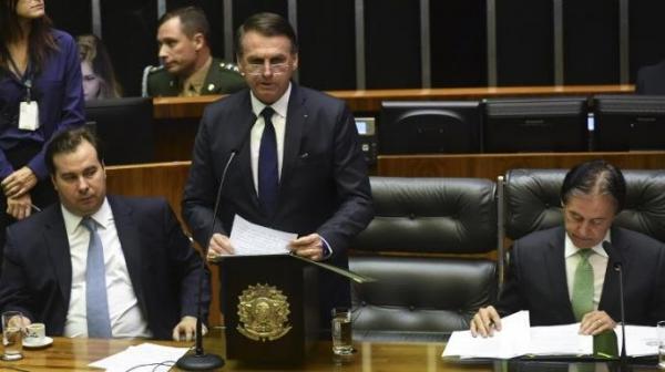 Jair Bolsonaro defende união no país e valorização da família