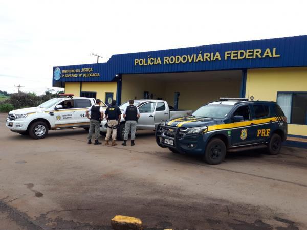 PRF e BM recuperam caminhonete e prendem fugitivo