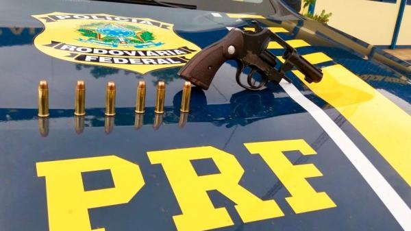 PRF prende homem que portava arma com numeração raspada em Sarandi