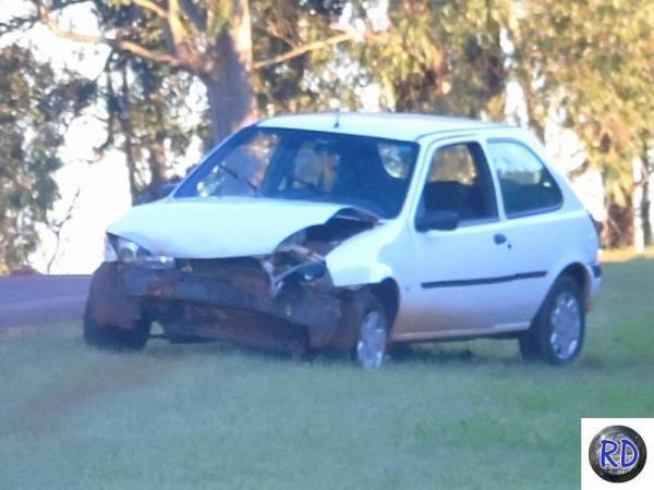 Motorista perde controle e colide em barranco na ERS 317, em Redentora