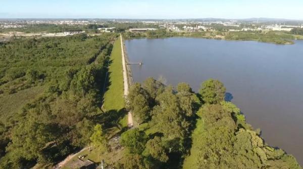 'Risco sempre há, mas é pequeno', diz secretário do Meio Ambiente sobre barragens do RS