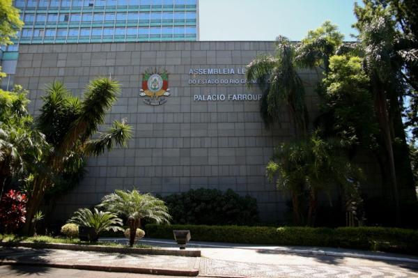 Orçamento estadual prevê déficit de R$ 6,8 bilhões no próximo ano