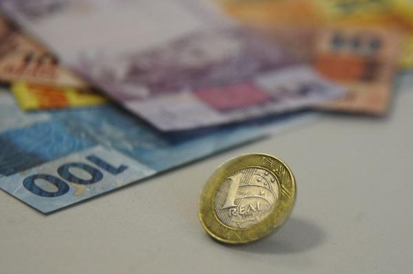 Cresce o número de brasileiros que analisam o próprio orçamento