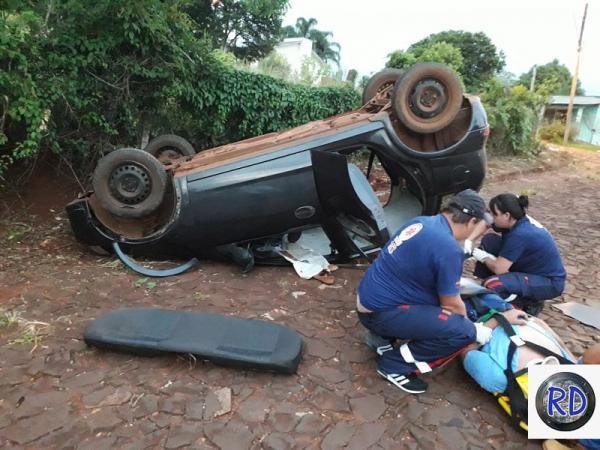 Duas pessoas ficam feridas em acidente de trânsito