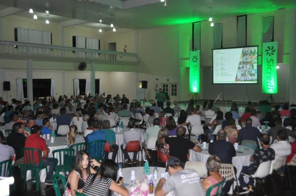 Sicredi Celeiro reúne grande número de associados em assembleia em Tenente Portela