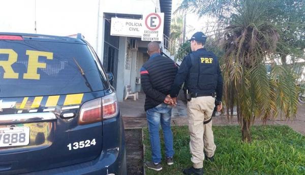 PRF prende policial militar investigado por tráfico de drogas