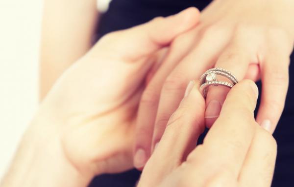 Senadores aprovam Projeto de Lei que proíbe o casamento de menores de 16 anos