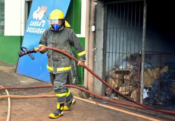 Tenente Portela: Incêndio reabre discussão sobre bombeiros voluntários