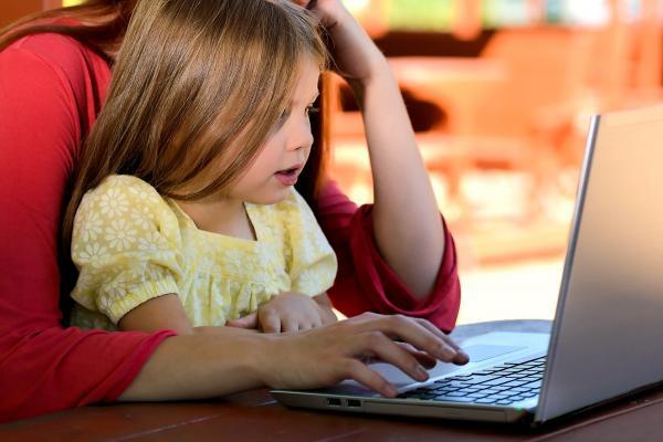 Popularização da internet muda comportamento da população