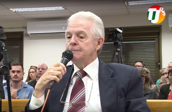 Terceiro dia de julgamento segue ouvindo testemunhas de defesa de Leandro