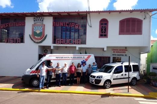 Prefeitura de Vista Gaúcha adquire ambulância e retroescavadeira