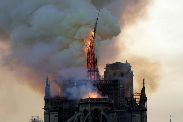 Doações para reconstrução da catedral de Notre-Dame em Paris somam US$ 900 milhões