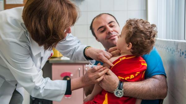 UNICEF: 21 milhões de crianças deixam de ser vacinadas contra o sarampo todos os anos