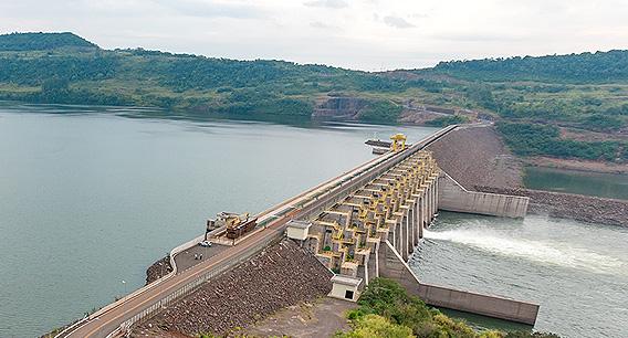 Trânsito sobre a barragem da usina Foz do Chapecó está bloqueado