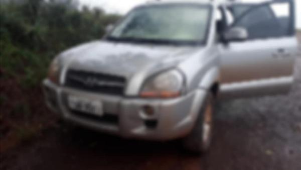 Brigada Militar encontra veículo utilizado por trio que assaltou empresa em Humaitá