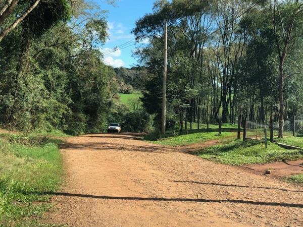 Vereadores de Coronel Bicaco solicitam melhorias na estrada de terra que liga a Campo Novo