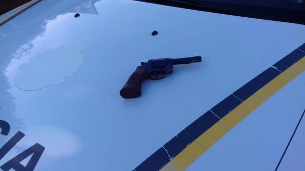 Revólver e munições são apreendidos em Vista Gaúcha