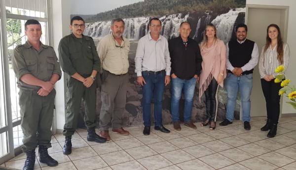 Turismo e preservação do meio ambiente são debatidos em reunião em Derrubadas