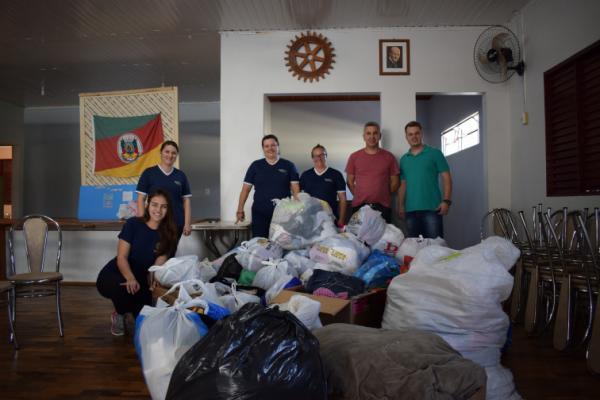 Tenente Portela: Rotaract e Interact repassam doações a Campanha do Agasalho 2019
