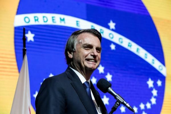 Pesquisa feita pela CNI revela que 32% dos brasileiros aprovam o governo de Jair Bolsonaro
