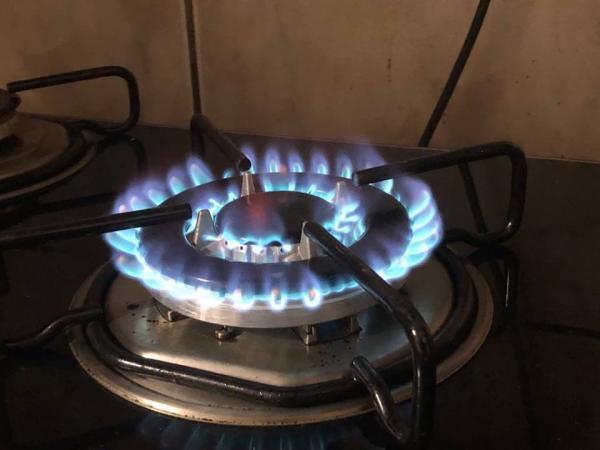 Ministro diz que preço do botijão de gás pode cair até 50%