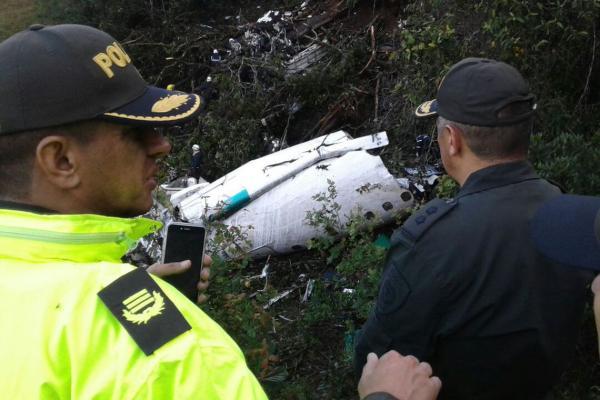 Chapecoense é condenada a indenizar pais de vítima de acidente aéreo ocorrido em 2016