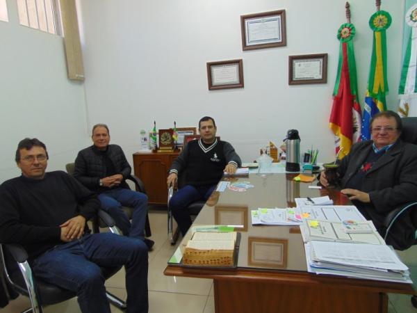 Prefeito de Redentora recebeu representantes da Corsan