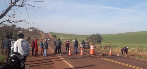 Indígenas bloqueiam a rodovia 330 no interior de Redentora