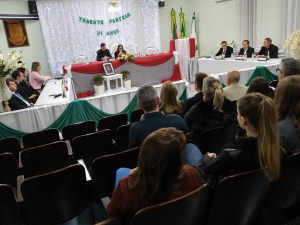 Sessão Solene na programação de aniversário de Tenente Portela