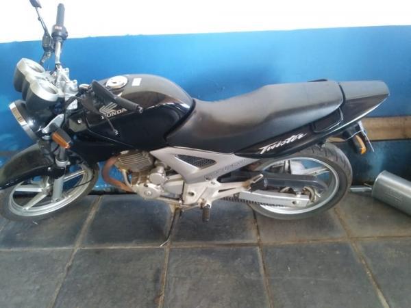 Brigada Militar de Frederico Westphalen recupera moto furtada