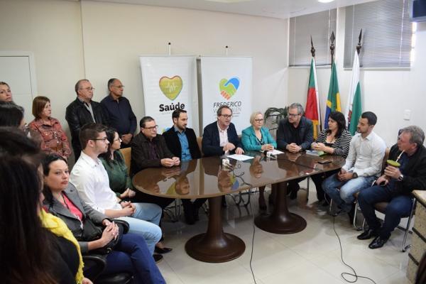 Secretária de Saúde do Estado assina liberação de recursos para o Hospital Santo Antônio