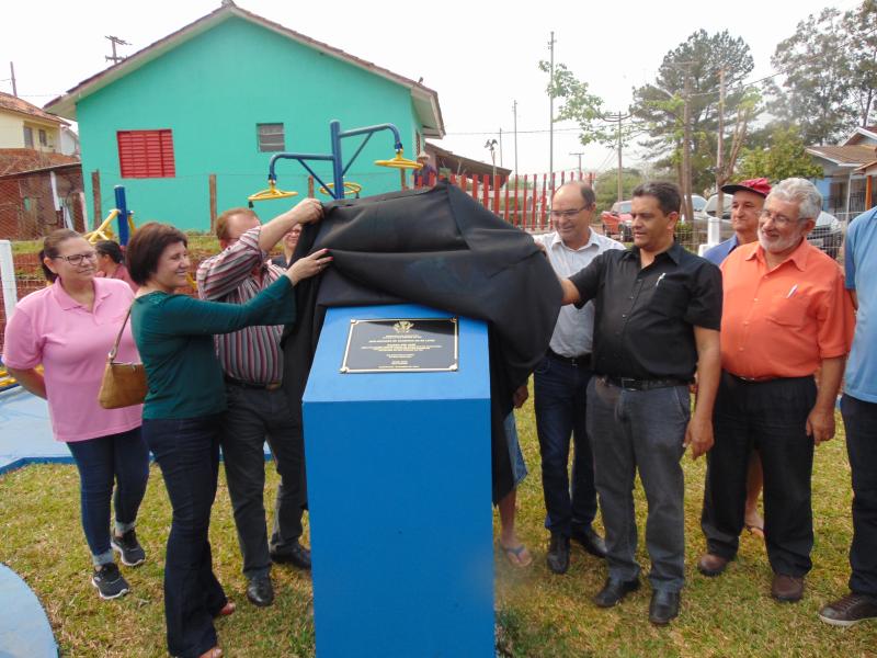 Redentora: Executivo entrega academia ao ar livre no bairro São José