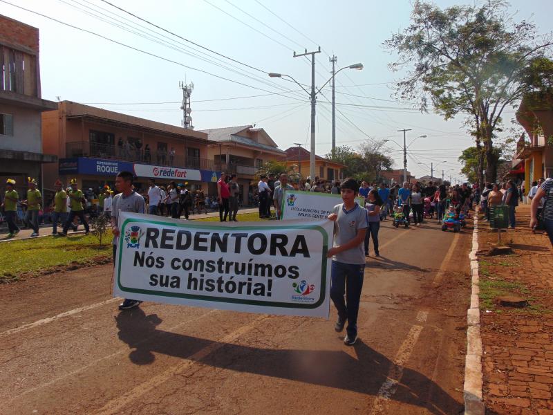 Redentora celebra a Independência do Brasil com desfile cívico