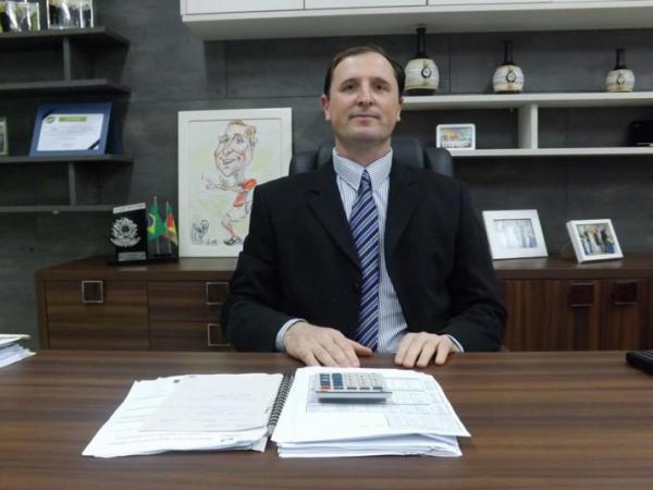 Derrubadas: Ex-prefeito Bagega vai concorrer contra atual administração
