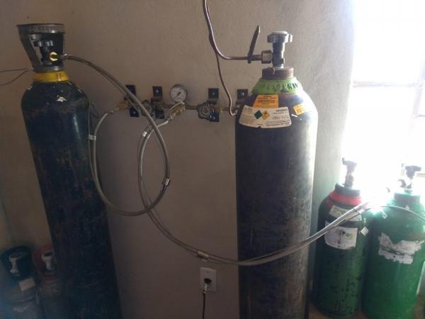 Fábrica clandestina de oxigênio hospitalar é descoberta em Santa Maria