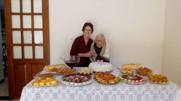 Sobrinha relembra histórias de Dona Corina