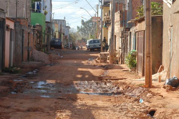 Extrema pobreza e desigualdade crescem há quatro anos