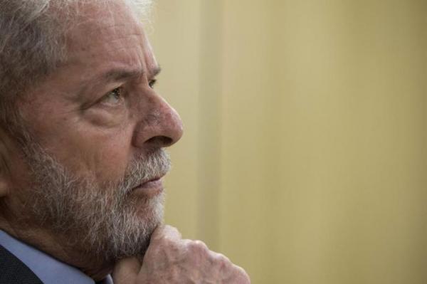 Juiz autoriza soltura de Lula