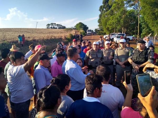 Indígenas liberam o trafego da ERS 330 em Redentora