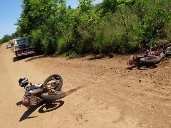 Colisão entre duas motocicletas deixa um morto e um ferido em Crissiumal