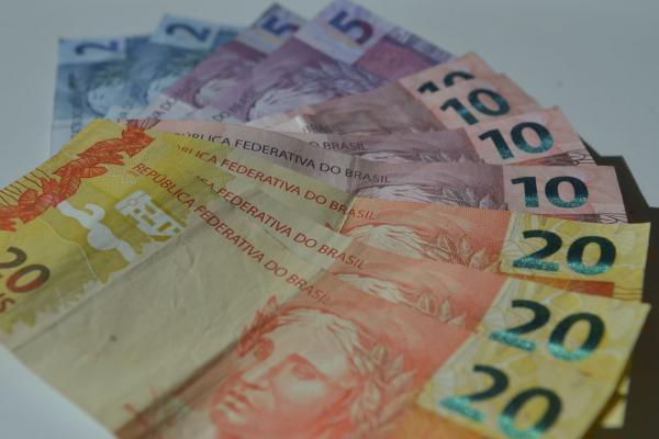 Governo Federal diminui para R$ 1.031,00 a estimativa de salário mínimo para 2020