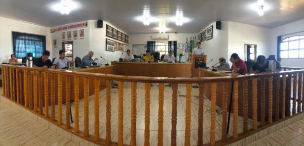 Edis reclamam da falta de debates sobre municipalização da Escola Rui Barbosa